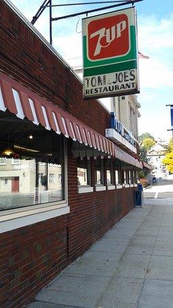 Altoona, Pensilvanya: Tom & Joe's  best experience EVER