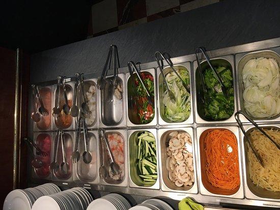 Chaufour-les-Bonnieres, França: Tepanyaki buffet
