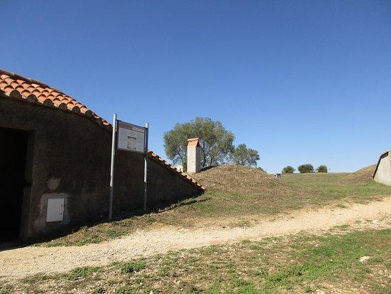 Necropoli di Tarquinia ... einige der grabkammern sind zugänglich für eine besichtigung