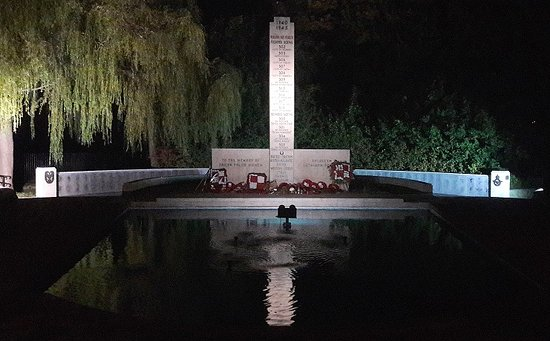 Ruislip, UK: Polish War Memorial, Northolt