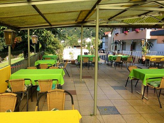 outdoor seating bild von gasthof zum lahntal restaurant