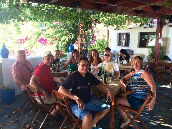 Lachania, Yunanistan: Happy company