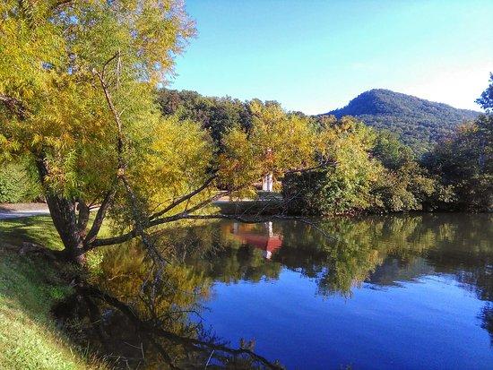 Lake Lure, Karolina Północna: IMG_20161005_173548~2_large.jpg