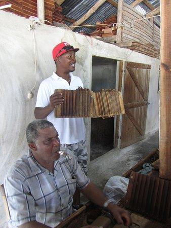 Bayahibe, جمهورية الدومينيكان: Fabrique de cigare