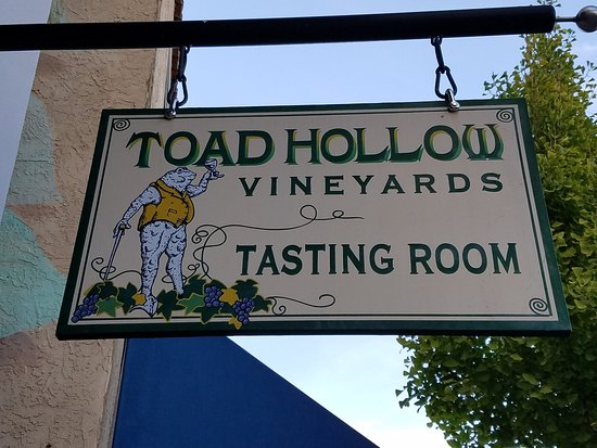 Healdsburg, Californië: Easy to find tasting room.