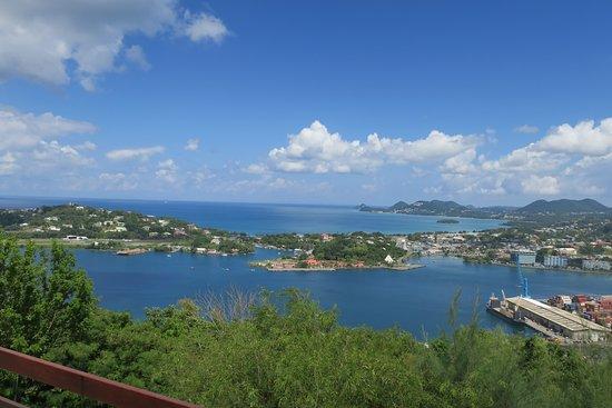 Gros Islet, Sta. Lucía: Bay and Village
