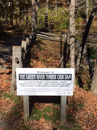 Guilford, VT: Green River Timber Crib Dam