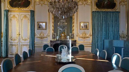 La salle manger ou louis xvi et marie antoinette for Salle a manger louis xvi