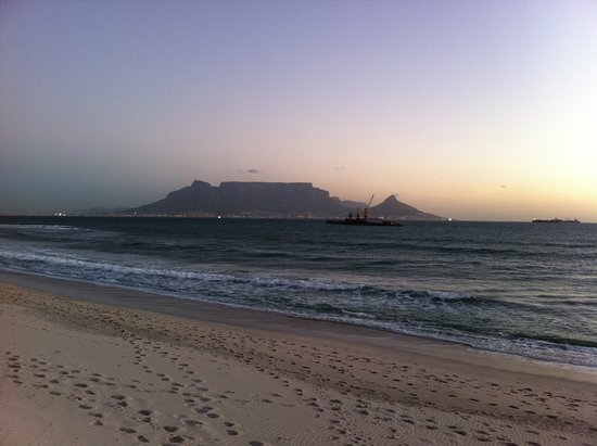 Bloubergstrand, جنوب أفريقيا: View of Table Mountain from Blouberg beach