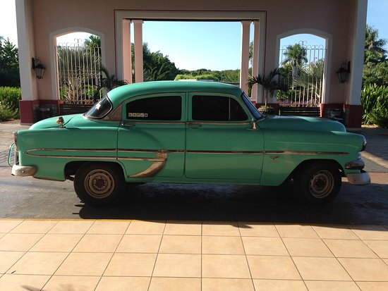 Heart of Cuba Tours: photo of the car