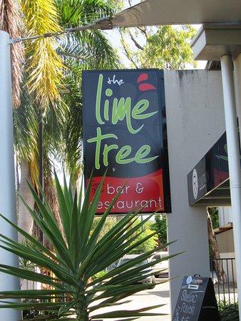 Trinity Beach, ออสเตรเลีย: Sign on side