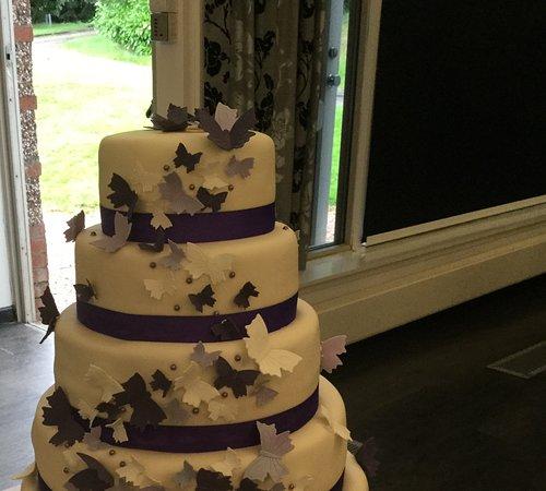 Dunfermline, UK: Flutterby wedding cake