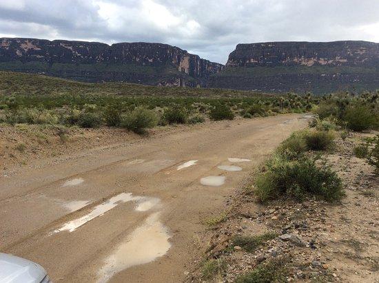 อัลไพน์, เท็กซัส: Old Maverick Road - dirt road from Maverick Junction to Santa Elena Canyon Overlook