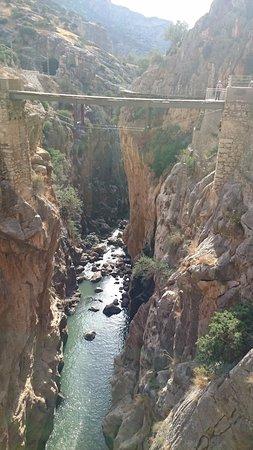 El Chorro, España: antiguo puente que daba a las vias del tren, ya cerrado el acceso