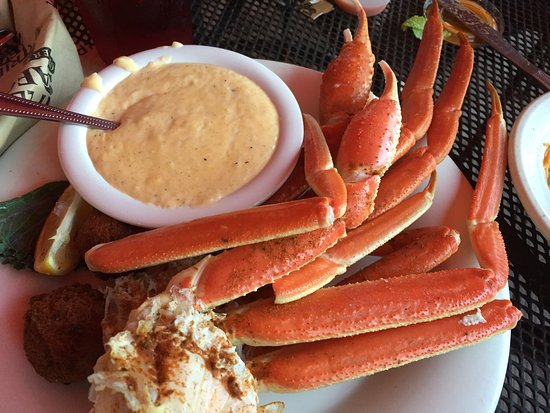 Triple Tails Oyster Bar and Grill: photo0.jpg