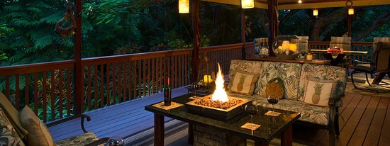 Honu Kai B&B: Lanai Lounge with Firepit