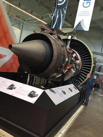 Mukilteo, WA: Austellung GE 90 (Triebwerk B-777)