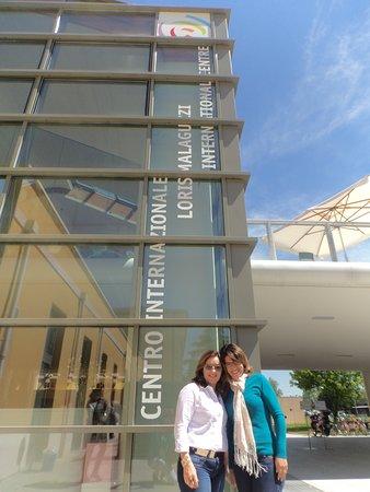 Reggio Emilia, Italia: Em frente ao Centro Internacional Malaguzzi