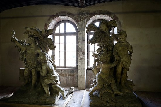Barrage Vauban: Sculptures on the lower level