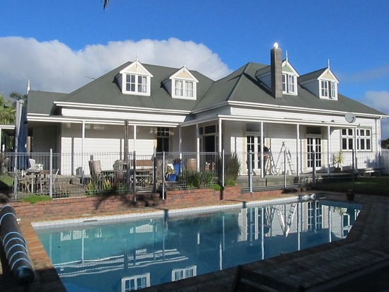 Warkworth Lodge: Swimming pool and spa
