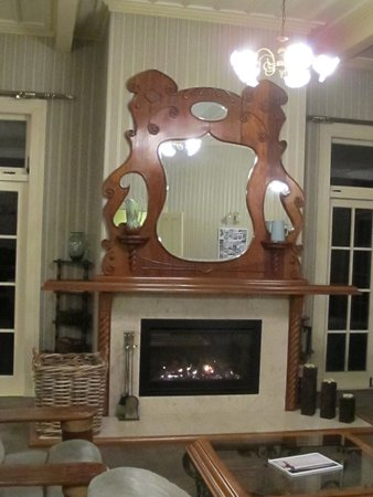 Warkworth Lodge: Fireplace and mantelpiece