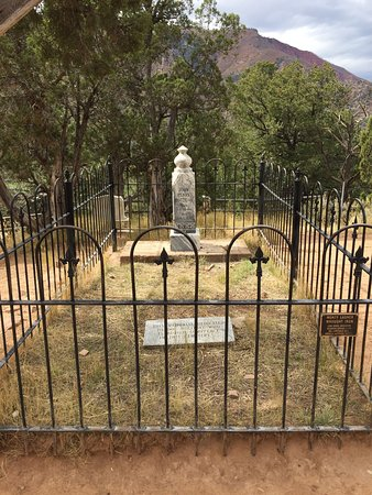 Doc Holliday's Grave: photo0.jpg