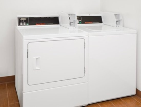 ทรีริเวอร์ส, มิชิแกน: Laundry Facility