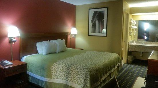 Days Inn Memphis - I40 and Sycamore View : la habitación