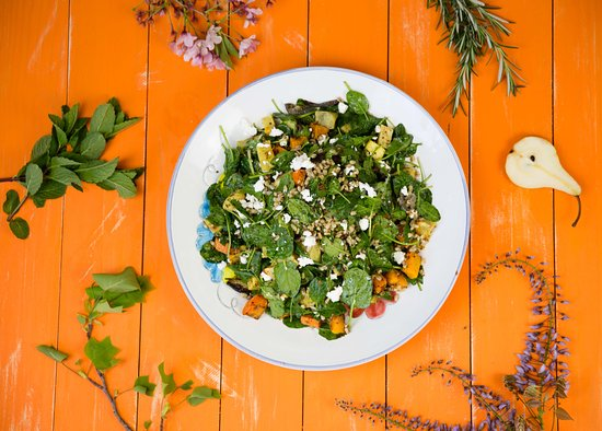 Greytown, Nouvelle-Zélande : Want homemade, crisp salads? We've got you covered!