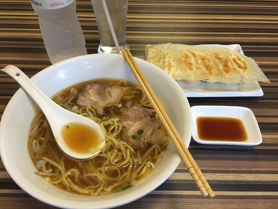 Tan Tan Man: 醤油ラーメンと焼き餃子