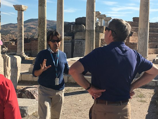 Ephesus Travel Guide - Private Ephesus Tours: So much history but he made it come to life.