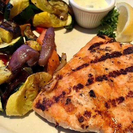 Solana Beach, CA: seared salmon with veggies