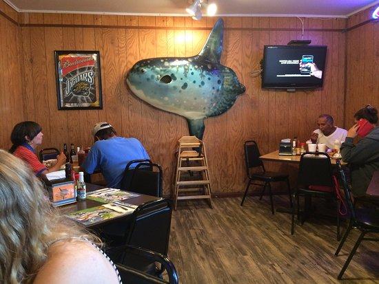 แอตแลนติกบีช, ฟลอริด้า: Seafood Kitchen inside