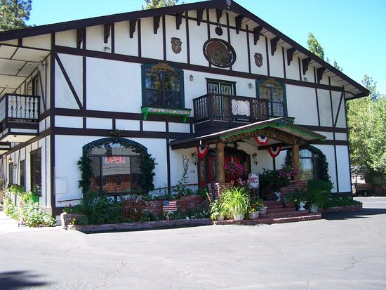 Black Forest Lodge: Exterior front