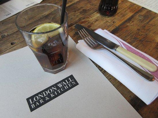 Foto de London Wall Bar & Kitchen
