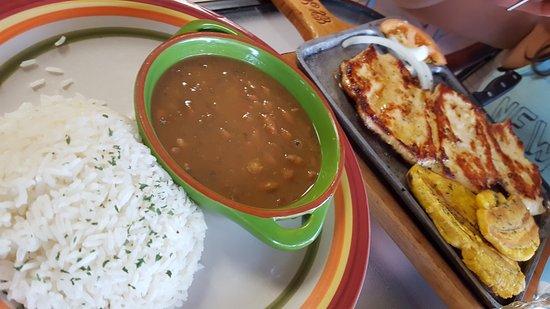 Port Saint Lucie, Φλόριντα: Generous delicious food