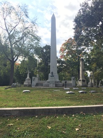 Bellefontaine Cemetery: William Clark's (from Lewis & Clark) tomb.