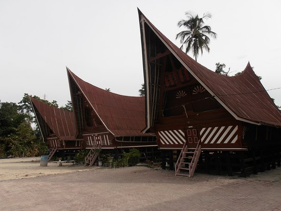 Lake Toba: Traditional roofed houses of the Batak people