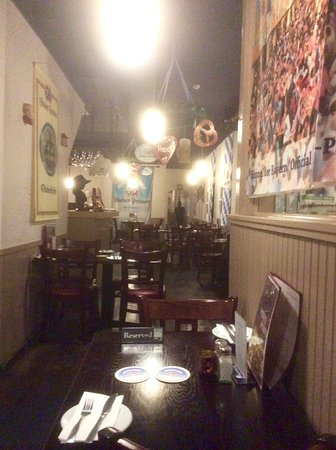 Amadeus Cafe: Restaurant
