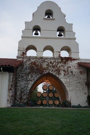 Santa Ynez, Калифорния: Showcase winery in Santa Barbara wine country