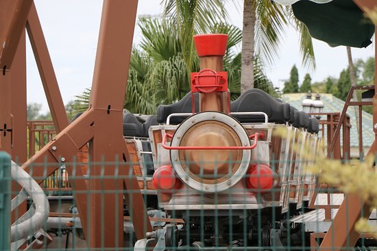 Kampong Jerudong, Brunéi: Mini roller coaster but this ride has its moments as well