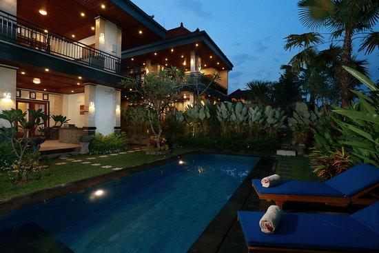 Dewi Sri Private Villas