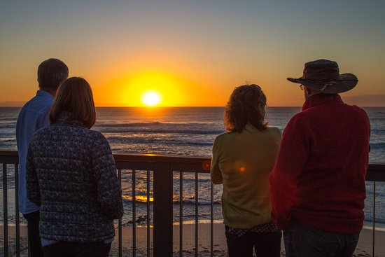 McLeod Tours : Sunset at Surfers Point (On EAT + DRINK + EXPLORE Tour)