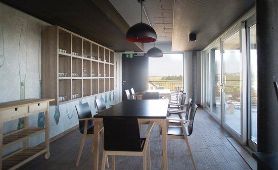 Vaud, Schweiz: Restaurant Le 1424 au 3e étage de La Fabrique à Champagne