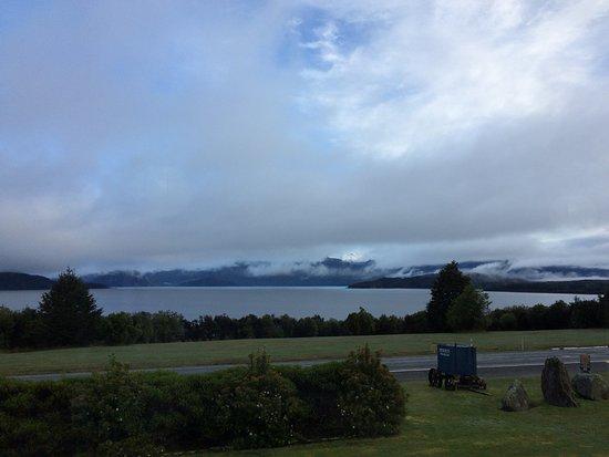 Manapouri, نيوزيلندا: Aussicht vom Frühstücksraum