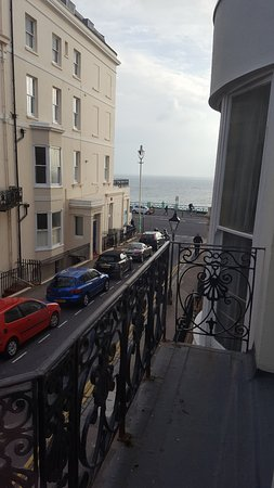 Court Craven Guest House: View towards the sea from Room 1
