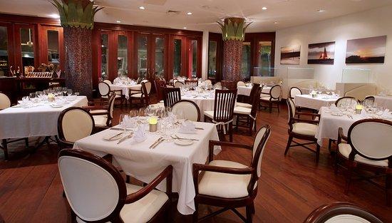 Hilton Aruba Caribbean Resort & Casino: Sunset Grille