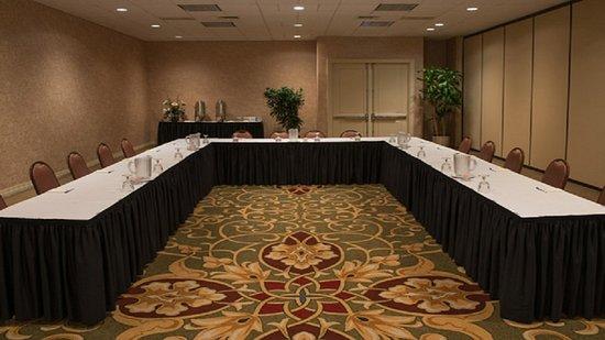 Holiday Inn Express Chicago O'Hare: Holiday Inn Express Salon Meeting Room