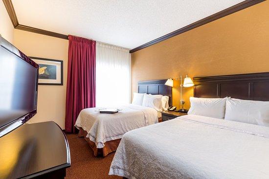 Hoffman Estates, IL: 2 Double Bed Suite w/ Kitchen