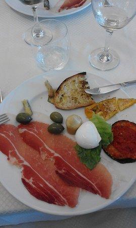 Genazzano, อิตาลี: Antipasto gustoso.